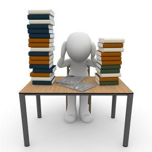 Estudiando. Imagen de Pixabay.